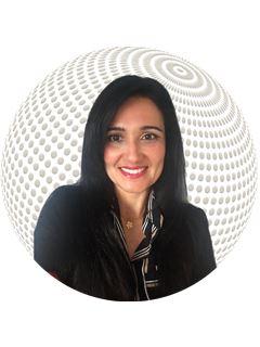 Office Staff - Vanessa de Almeida Alves - RE/MAX - Golden Line