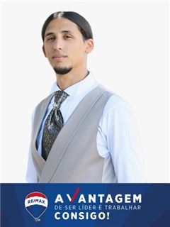 Fernando Augusto - Web Designer - RE/MAX - Vantagem Oeste