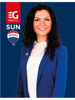 Natali Duarte - Membro de Equipa Ricardo Vale e Natali Duarte - RE/MAX - Sun