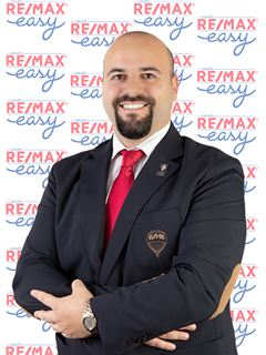 Artur Sampaio - RE/MAX - Easy V