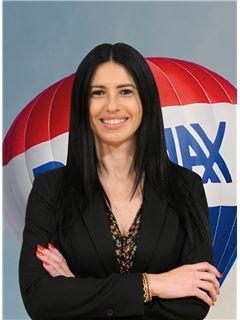 Carla Flores - Membro de Equipa Pedro Guedes - RE/MAX - Market