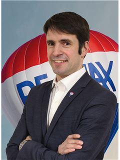 Tiago Santos - Membro de Equipa Carla Gomes - RE/MAX - Market