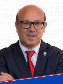 José Santarém - Parceria com Hélder Esteves - RE/MAX - Ideias