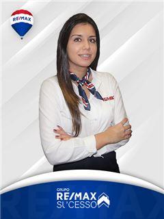 Office Staff - Viviana Machado - RE/MAX - Sucesso