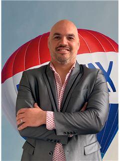 Davide Estrela - Membro de Equipa Pedro Guedes - RE/MAX - Market
