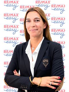Office Staff - Sandra Torres - RE/MAX - Easy River