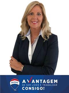 Paula Bastos - RE/MAX - Vantagem Gaya