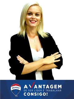 Carina Leal - RE/MAX - Vantagem Central