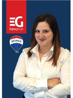 Office Staff - Mariline Nascimento - RE/MAX - Expo