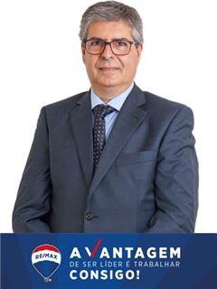 Carlos Fernandes - RE/MAX - Vantagem Gaya