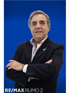 António Oliveira - Membro de Equipa Mário Simões - RE/MAX - Rumo II