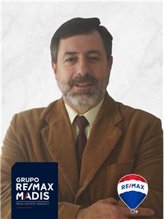 Joaquim Simões - RE/MAX - Madis