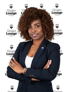 Yara Silva - RE/MAX - Lounge