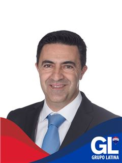 Paulo Faria - Membro de Equipa de Ricardo Rajani - RE/MAX - Latina II