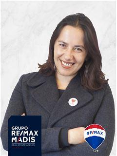 Office Staff - Mónica Ferro - RE/MAX - Madis