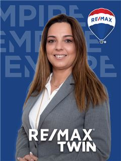 Indehaver - Karla Moiteiro - RE/MAX - Twin
