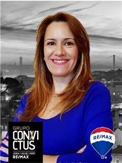 Carla Pereira - RE/MAX - ConviCtus