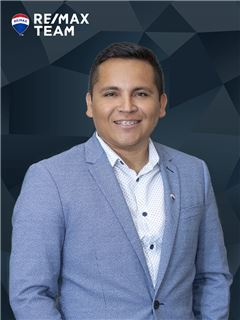 Billy Vargas - RE/MAX - Team III