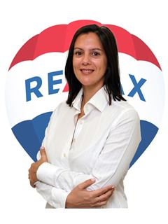 Office Staff - Teresa Oliveira - RE/MAX - Up