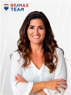 Joana Vicente - Membro de Equipa Team Bandeira - RE/MAX - Team