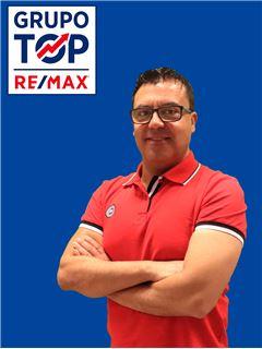 Carlos Almeida - RE/MAX - Top