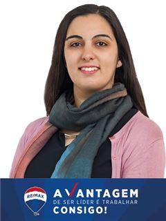 Office Staff - Natália Moreira - RE/MAX - Vantagem Lidador