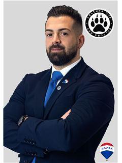 Hugo Oliveira - Chefe de Equipa de Hugo Oliveira - RE/MAX - Alcateia