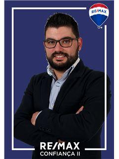 Tiago Mendes - Membro de Equipa Fernanda Lourenço - RE/MAX - Confiança II