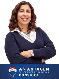 Office Staff - Cátia Freitas - RE/MAX - Vantagem Central
