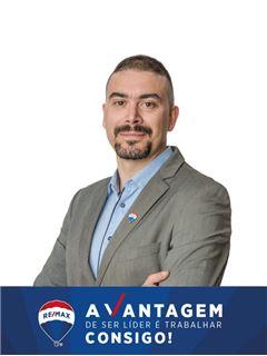 Sérgio Oliveira - Parceria com Ana de Almeida - RE/MAX - Vantagem Ria