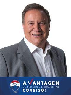 António Oliveira - RE/MAX - Vantagem Avenida