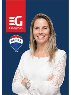 店主 - Paula Fernandes - RE/MAX - Costa Do Sol