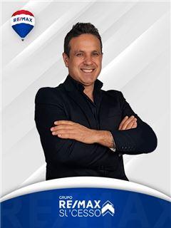 Carlos Areal - RE/MAX - Sucesso
