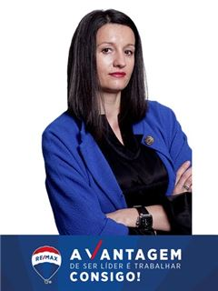 Oksana Khrushch - RE/MAX - Vantagem Central