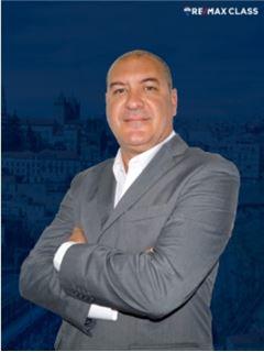 Carlos Valga - RE/MAX - Class II