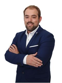 Carlos Gonçalves - RE/MAX - White II