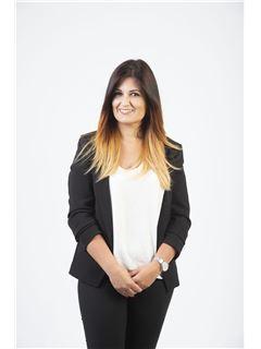 Associate in Training - Andreia Lemos - RE/MAX - Expo