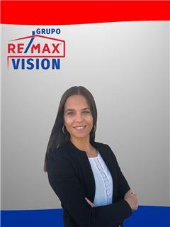 Office Staff - Catarina Casaca - RE/MAX - Vision