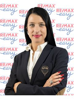 Office Staff - Vanessa Sena - RE/MAX - Easy VI