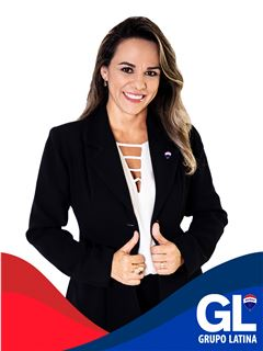 Adriana Vega - RE/MAX - Latina