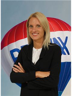 Julia Schiavon - RE/MAX - Market