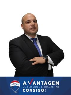 Ricardo Machado - Chefe de Equipa Ricardo Machado - RE/MAX - Vantagem Central