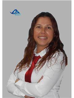 Office Staff - Cláudia Simões - RE/MAX - Sirius II