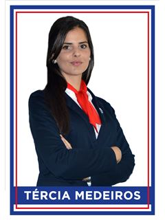 Office Staff - Tércia Medeiros - RE/MAX - 4 You