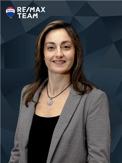 Susana Caetano - RE/MAX - Team