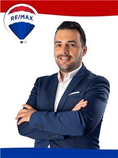 Norberto Isidro - RE/MAX - Rainha