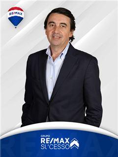 José Ferreira - Membro de Equipa Carlos Gomes - RE/MAX - Sucesso
