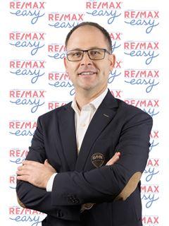Nuno Nicolau - RE/MAX - Easy V