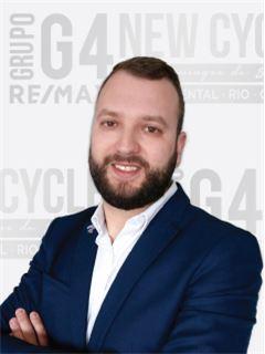 Filipe Neves - Membro de Equipa Paulo Costa e Gonçalo Freitas - RE/MAX - New Cycle
