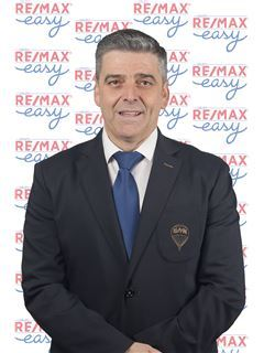 Broker/Owner - Carlos Santos - RE/MAX - Easy VI